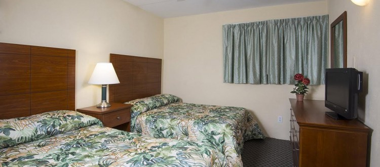 Armada by the sea second bedroom in deluxe ocean view three-room family hotel suite in Wildwood NJ